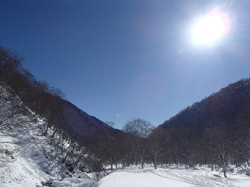 晴天の湯檜曽川