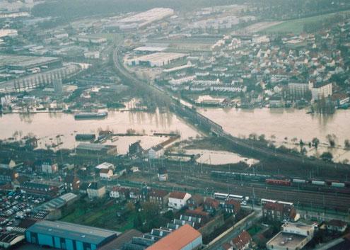 Inondation de décembre 1993, ZI nord de Compiègne. Photo C. Schryve.