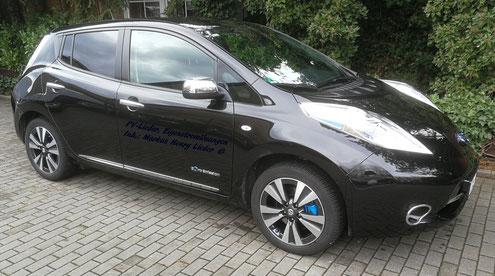 PV-Lieder Eigenstromlösungen, Inh.: Markus Henry Lieder, Nissan Leaf Tekna 30kW Batterie mit Komplettausstattung, Bremssattel blau lackiert, Ventilkappen blau, Dachantenne kurz, Lichtdesign innen und außen optimiert