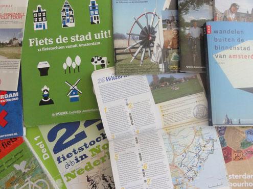Fietskaarten en routes, beschijvingen van fietsroutes in en om Amsterdam. Landelijke fietsroutes.