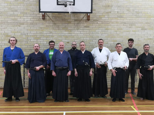 イギリス KENSHINKAN DOJO の皆さん。Members of KENSHINKAN DOJO, England.