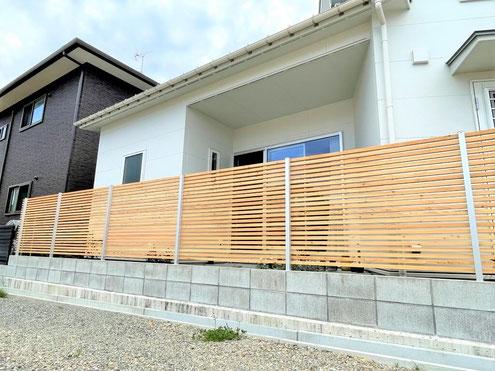 東広島市寺家 天然木ロシアカラマツフェンスを設置!