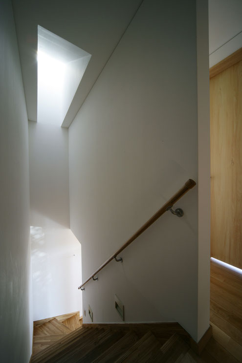 住宅 設計 階段 トップライト