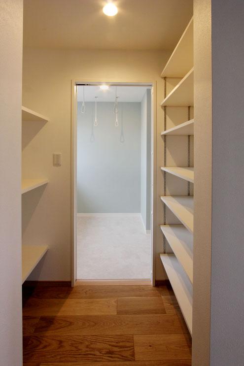住宅 設計 子育て テレワーク パントリー 可動棚 収納
