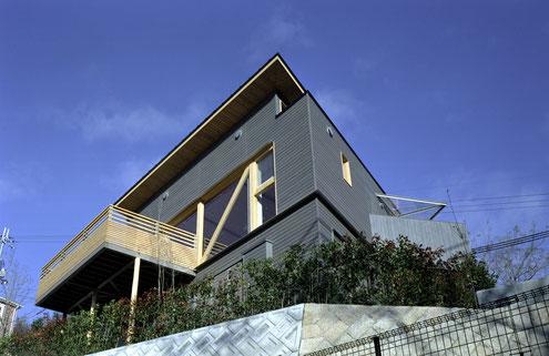 住宅 設計 建築家 平賀敬一郎 高級住宅 北欧デザイン 外壁 杉板