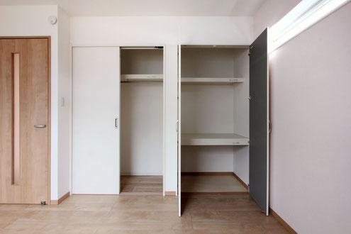 住宅 設計 子育て 子供室 アクセントクロス 高窓