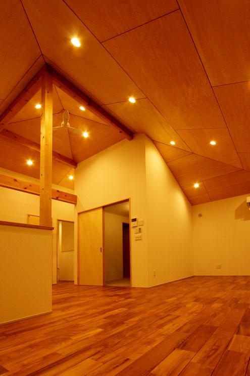 住宅 設計 シーリングファン 高い天井