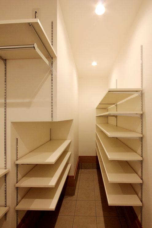 住宅 設計 テレワーク クローク 収納 可動棚