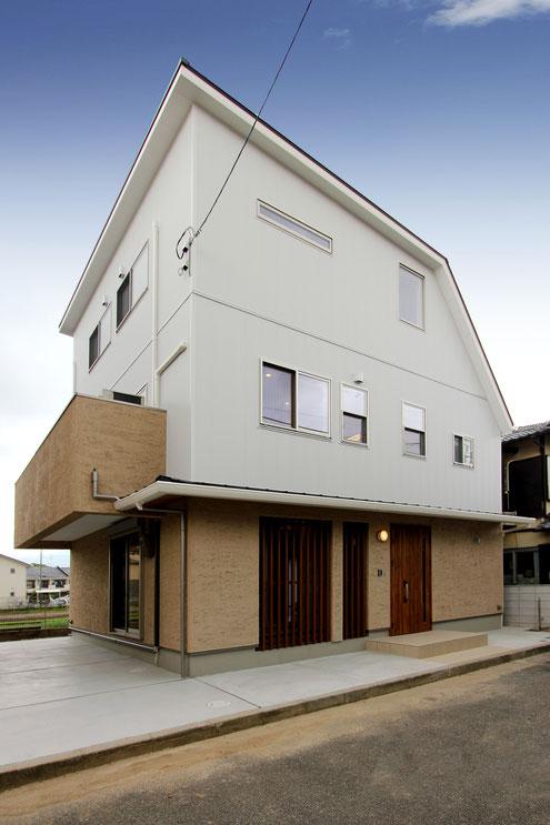 注文住宅 子育て応援 外観 建築家