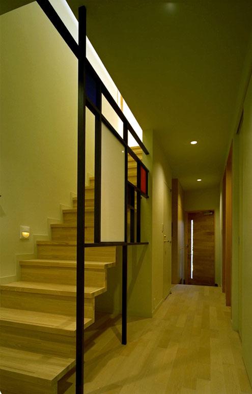 住宅 設計 階段 手すり モンドリアン