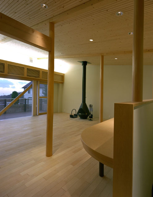 住宅 設計 建築家 平賀敬一郎 高級住宅 北欧デザイン 暖炉 木の天井