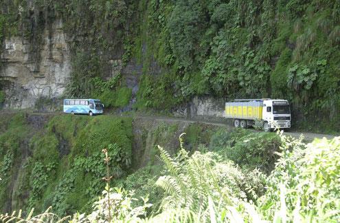 Fahrradtouren zu den Yungas mit BOlIVIENline, Camino de la Muerte, gefährlichste Strasse der Welt