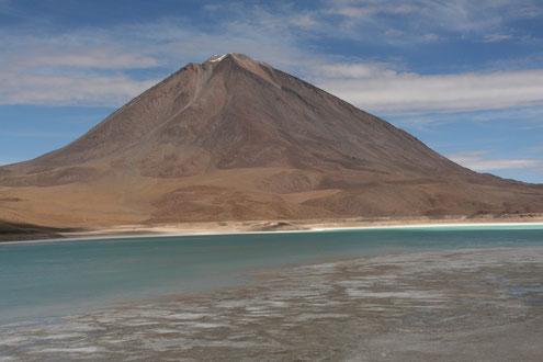 Grüne Lagune in Bolicien_ Salzseen_Uyuni