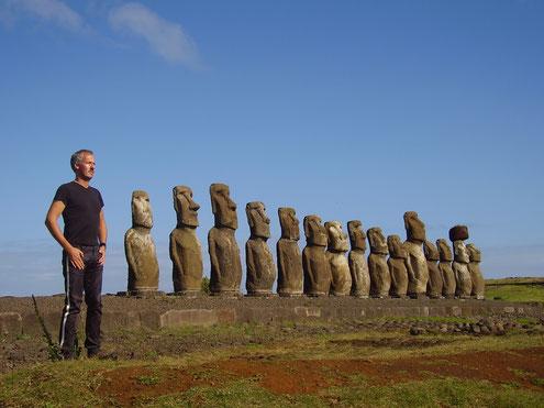 Reisen auf die Osterinsel, zu den Moai, in die Atacamawüste und nach Santiago de Chile