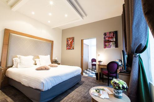 Hôtel Marotte, 5 stars, boutique hotel, luxury hotel, hotel cosy & chic, hotel in the city centre of Amiens, cosy room facing the court, adapted for the disabled.
