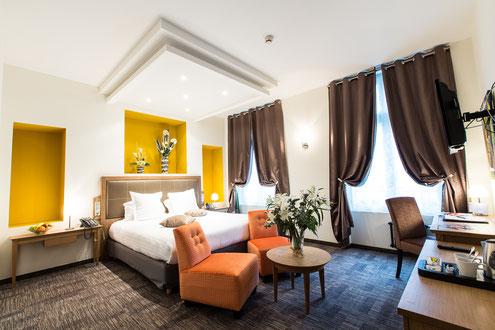 Hôtel Marotte 5 étoiles, hôtel de charme, hôtel de luxe, boutique hôtel Amiens, cosy et chic, proche de la gare et de la cathédrale, chambre charme , grand lit double, douche et baignoire