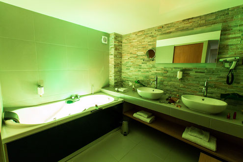 Hôtel Marotte, 5 stars, boutique hotel, luxury hotel, hotel cosy & chic, hotel in the city centre of Amiens, junior suite, jacuzzi bath, cool room in the summer