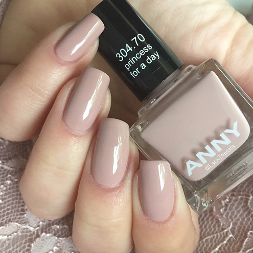 swatch ANNY princess for a day by LackTraviata