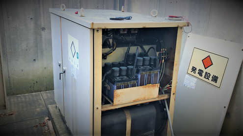 キュービクル式の自家発電設備