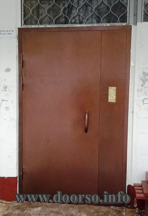 Металлическая двери в подъезд