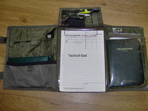 Jagdschutz Schreibmappe (TT Pilot Pad) mit Quiqlite Lampe. Das hab ich früher als Sniper Data Book genutzt.