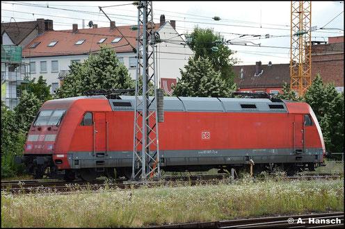 101 067-7 wartet am 15. Juli 2015 in Nürnberg Hbf. auf neue Aufgaben