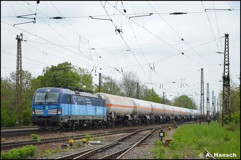 383 002-3 zieht am 14. Mai 2021 eine Leine Druckgaskesselwagen durch Leipzig-Wiederitzsch