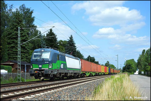 193 248-2 zieht am 7. September 2017 einen Ganzzug aus offenen Güterwagen durch Chemnitz-Furth gen Mittweida