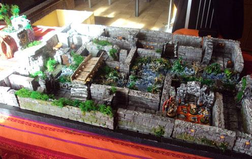 Donjon constitué du plateau et des murs modulables...