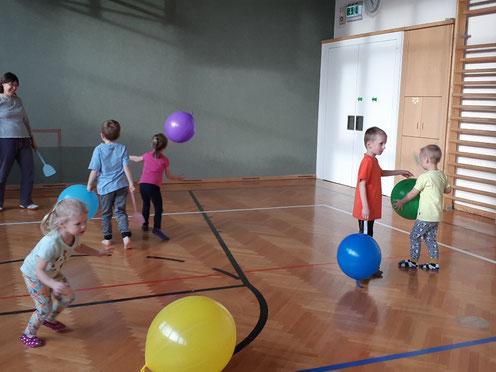 Experimentelle Phase mit Luftballone