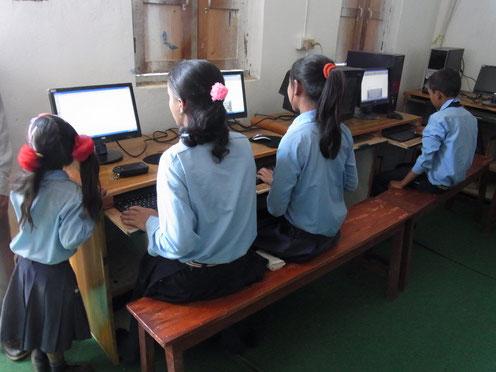 Neue IT-Ausstattung ermöglicht den Zugang zu weltweiten Online-Bibliotheken