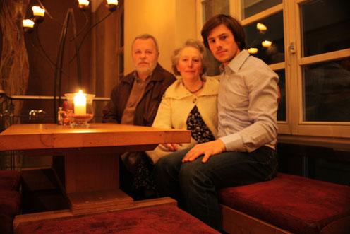 von links: Wjatscheslaw Dawydow (Vjacheslav Davydov), Elena Davydova, Anton Davydov