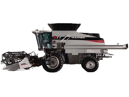 GLEANER S77 Harvesting Combine