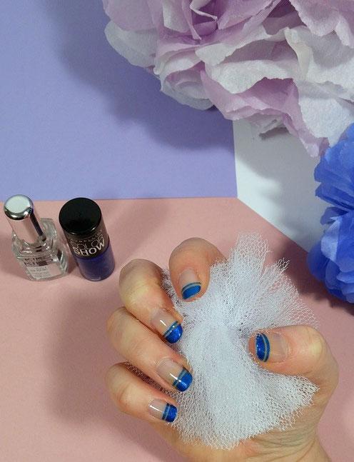 nail-art-french-manucure-bleue-LesAteliersDeLaurène
