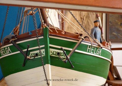 Ewer frontal mit einem Seemann