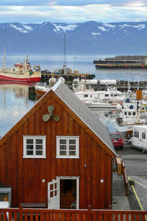 Der Hafen von Akureyri, Islands zweitgrößter Stadt mit 14000 Einwohnern