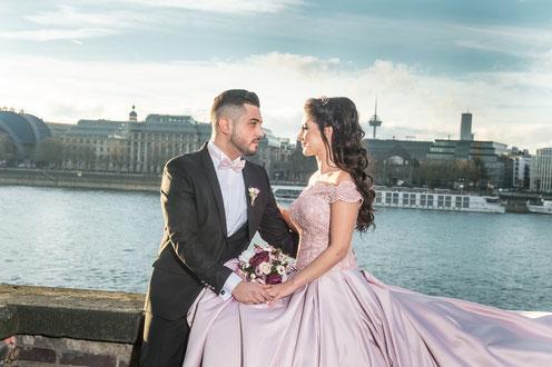 Brautpaar, Hochzeit, Hochzeitsfotograf, Heiraten, Verlobung, Fotograf_Köln, Fotoshooting, Brautpaarshooting, Hochzeit_Köln, Heiraten_Köln