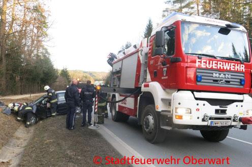 Feuerwehr; Blaulicht; Stadtfeuerwehr Oberwart; Unfall; PKW; Dornburggasse;