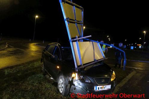 Feuerwehr; Blaulicht; Stadtfeuerwehr Oberwart; Unfall; PKW;