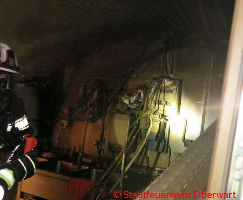 Feuerwehr; Blaulicht; Stadtfeuerwehr Oberwart; Brand; Imbissbude; Linkes Pinkaufer;