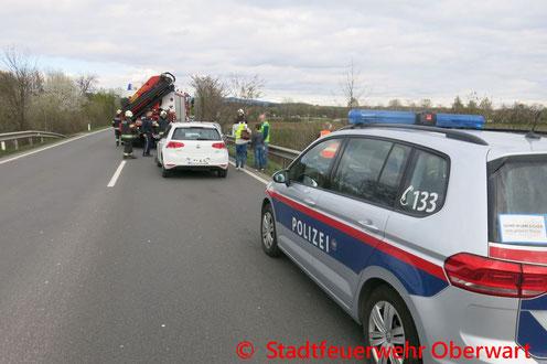 Feuerwehr, Blaulicht, PKW, Zug, Kollision, Oberwart