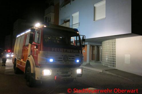 Feuerwehr, Blaulicht, Brand, Obergeschoss