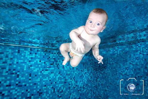 Bild: Babyschwimmen in Berlin - Unterwasser Babyfoto