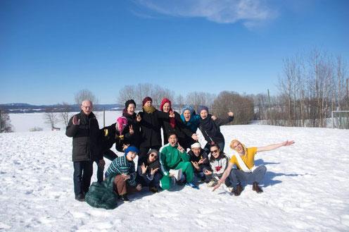 Charlotte mit den Gruppenleitern beim Ostercamp