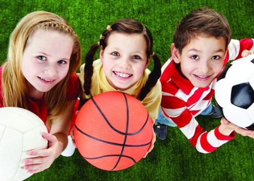 Escuela pre-deportiva: fútbol, baloncesto, voleibol.