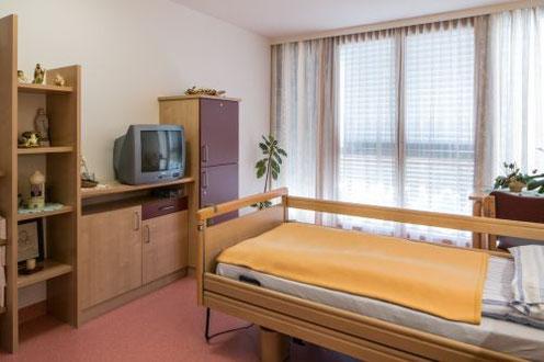 Moderne Ausstattung in den Zimmern Pflegehaus Nestelbach