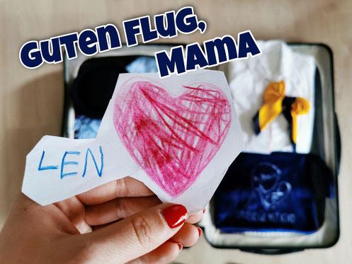 Guten Flug, Mama. Gepackter Koffer