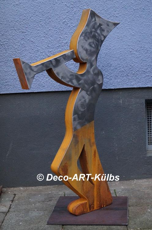 Skulptur (Trompeter) aus Stahl.