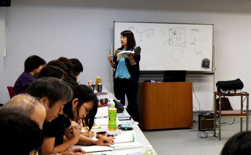 日髙恭子先生:外務省の通訳研修講師を始め、朝日カルチャーセンター新宿校通訳講座などの講師を歴任。