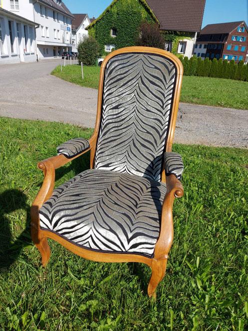 Polstern, Stuhl frisch beziehen